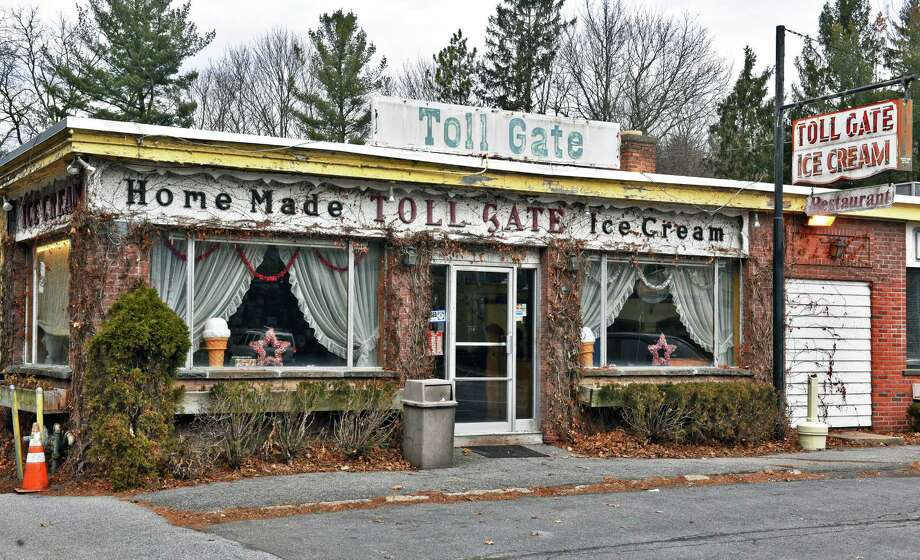 Exterior of Toll Gate Ice Cream on New Scotland Avenue Saturday Jan. 14, 2017 in Slingerlands, NY.  (John Carl D'Annibale / Times Union) Photo: John Carl D'Annibale / 20039446A