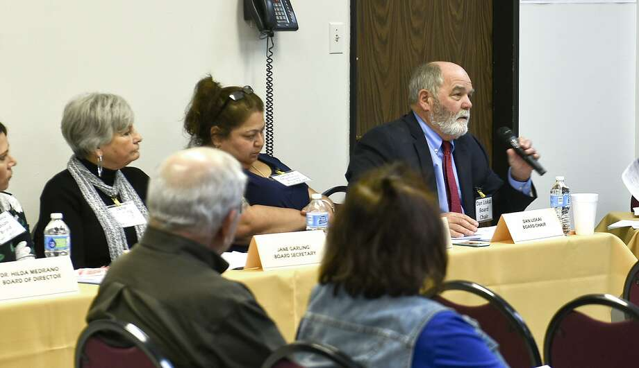 The Texas Migrant Council, TMC, Board of Directors discuss TMC's funding on Saturday afternoon at the TMC corporate offices. Photo: Danny Zaragoza, Laredo Morning Times