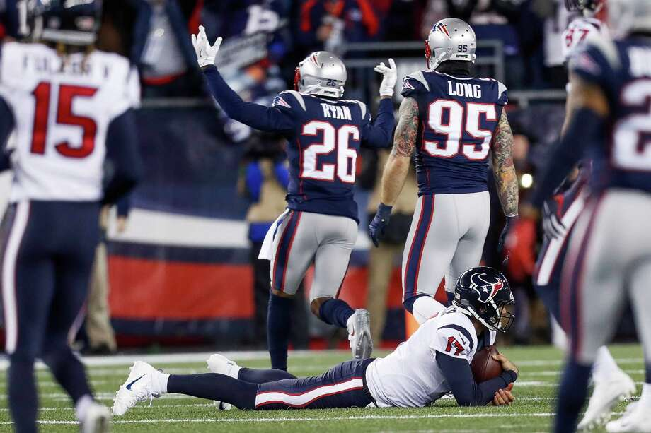 Houston Texans quarterback Brock Osweiler (17) reacts after bing sacked during the first quarter of an NFL divisional playoff game at Gillette Stadium, Saturday, January 14,  2017. Photo: Karen Warren, Houston Chronicle / 2016 Houston Chronicle