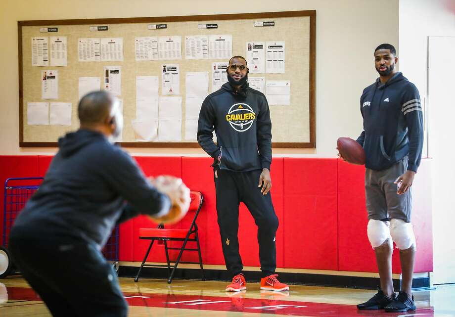 LeBron James (center), Tristan Thompson and the rest of the Cavaliers practice at the Olympic Club. Photo: Gabrielle Lurie, The Chronicle
