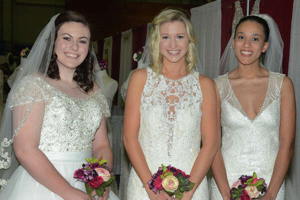 Wedding Steps held a Bridal Show Extravaganza in Danbury on January 15, 2017. Brides and grooms explored vendors for photography, videography, transportation, bridal fashions, invitations, jewelry, travel and more. Were you SEEN?
