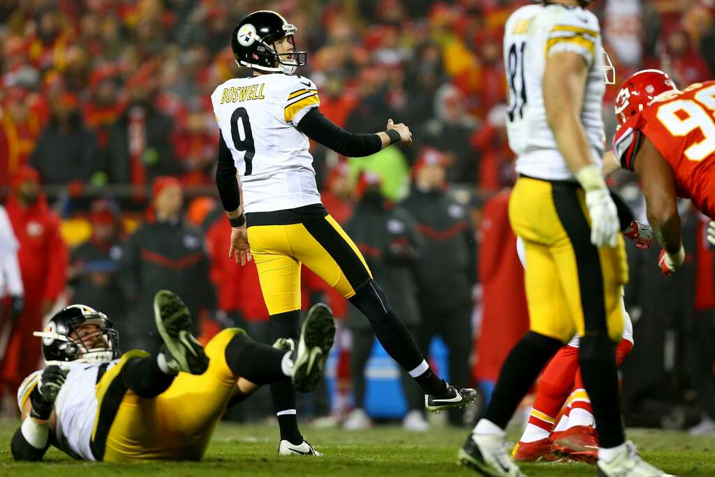 KANSAS CITY, MP - JANUARY 15: Kicker Chris Boswell #9 of the Pittsburgh Steelers kicks a field goal against the Kansas City Chiefs during the second half  in the AFC Divisional Playoff game at Arrowhead Stadium on January 15, 2017 in Kansas City, Missouri.  (Photo by Dilip Vishwanat/Getty Images) Photo: Dilip Vishwanat/Getty Images