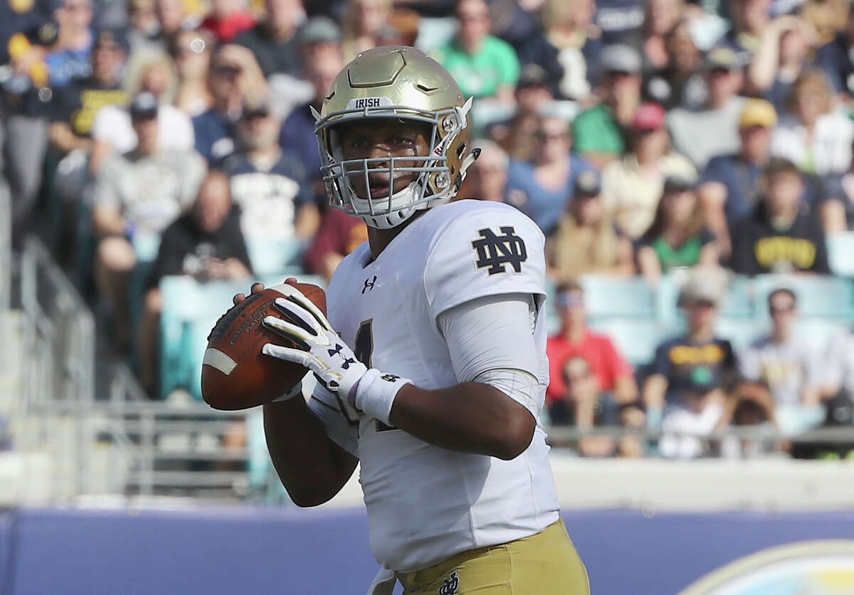 BEST QUARTERBACKS IN 2017 NFL DRAFT DeShone Kizer, Notre Dame 6-4, 230 Projected: Rounds 1-2 NFL teams can't wait to get Kizer in front of the whiteboard and see how he handles it when coaches put him through different reads. Since he played in a spread offense, there's some doubt about his ability to play in an NFL offense, but Kizer has the size that scouts love. He not only has the build to stand tall in the pocket, but he also has a sense of coolness that makes him tough to rattle. He has plenty of arm strength, and he can make throws on the run or tuck the ball and make plays with his legs. There is concern about his accuracy, and his 19 interceptions in 25 college starts is alarming.