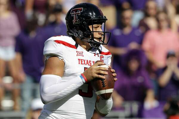 FORT WORTH, TX - OCTOBER 29:  Patrick Mahomes II #5 of the Texas Tech Red Raiders throws against the TCU Horned Frogs in the first half at Amon G. Carter Stadium on October 29, 2016 in Fort Worth, Texas.  (Photo by Ronald Martinez/Getty Images)