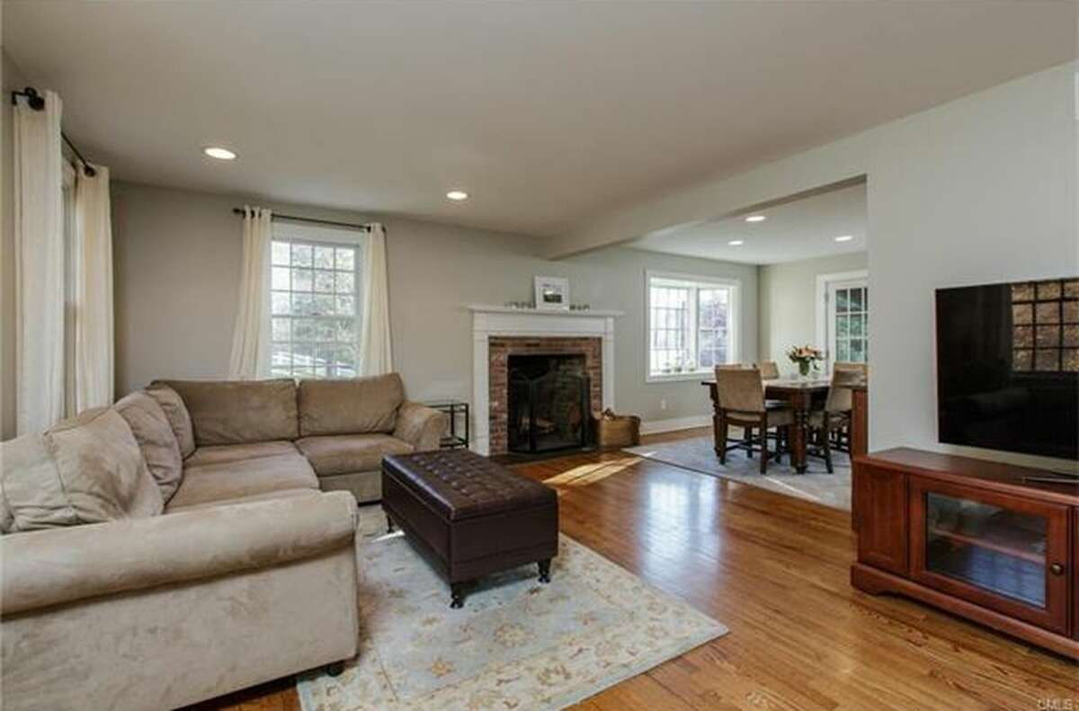 165 North St, Ridgefield, CT 06877 3 beds 3 baths 1,785 sqft Open house: 1/21, 10am - 3pm Features: Main level family room/den and walk-out lower level playroom, refinished hardwood floors View full listing on Zillow