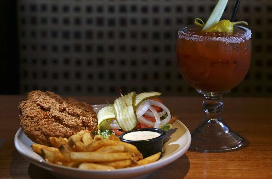 The Texas tenderloin and 54 bloody mary at the 54th Street Grill & Bar. Photo: Edward A. Ornelas /San Antonio Express-News / ¨ SAN ANTONIO EXPRESS-NEWS (NFS)