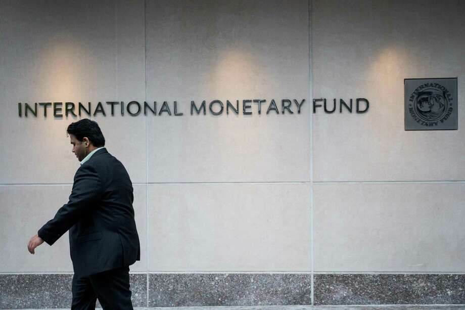 The IMF announced it is raising its forecast for the U.S. economy in 2017 and in 2018, reflecting an expected boost from the economic policies of President-elect Donald Trump. Photo: Zach Gibson /AFP /Getty Images / AFP or licensors
