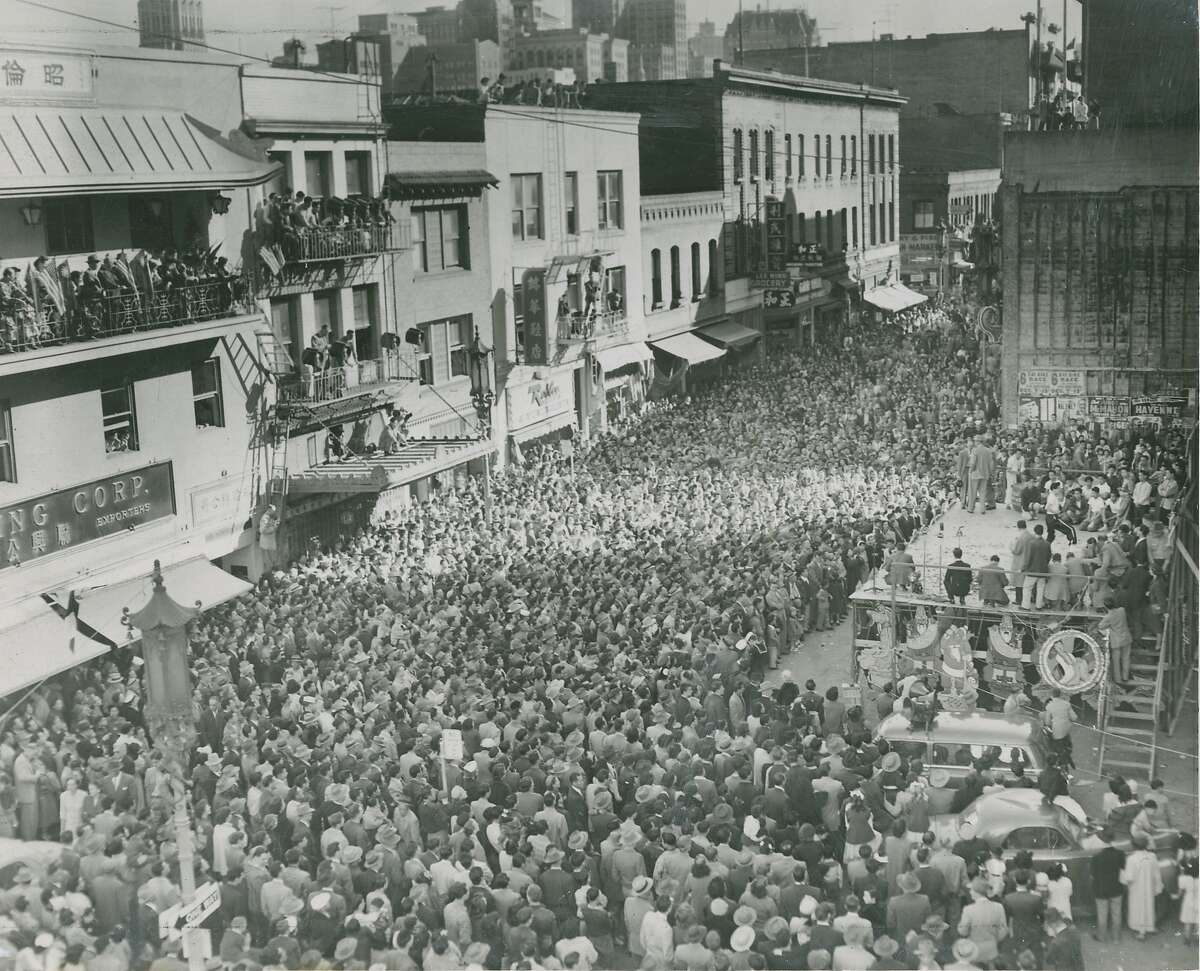 1953: The first year that non-Chinese outsiders were invited to the New Year celebration. 140,000 showed up.