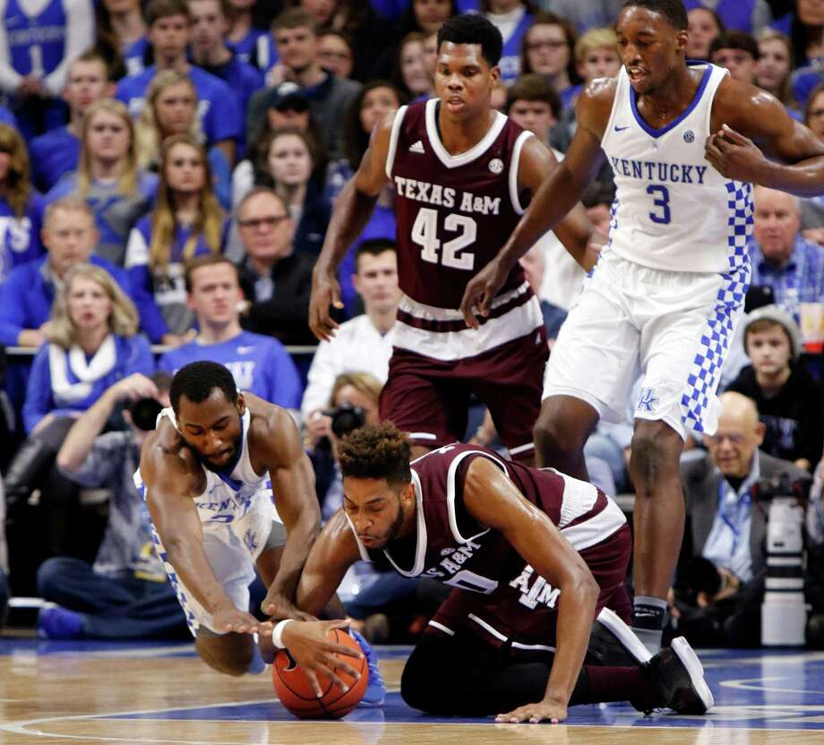 Texas A&M has had difficulty handling the ball cleanly, including Tonny Trocha-Morelos at Kentucky in one of three SEC games in which the Aggies committed 22 or more turnovers. Photo: James Crisp, FRE / FR6426 AP