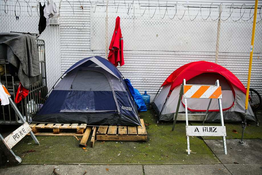 A tent encampment is seen on Harrison Street in San Francisco, Calif., on Wednesday, January 11th, 2017. Photo: Gabrielle Lurie, The Chronicle