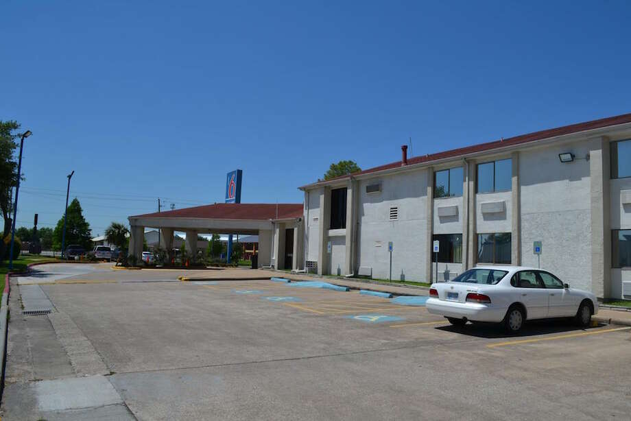 CBRE Hotels represented the buyer and seller of the Motel 6 at Hobby Airport, 9005 Airport Blvd. Photo: CBRE Hotels