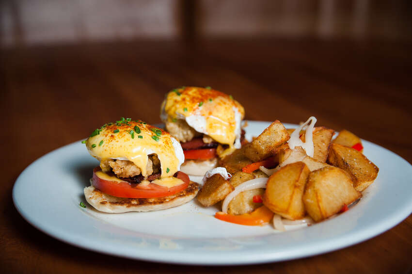 Enjoy a Cover 3 spin on the classic Eggs Benedict with their Eggs Wonderful: An open-faced English muffin topped with tomato, pancetta, fried oysters, poached eggs and hollandaise. Weekend brunch and Bloody Mary bar available 11 a.m. to 3 p.m. Saturday and Sunday! CLICK HERE!