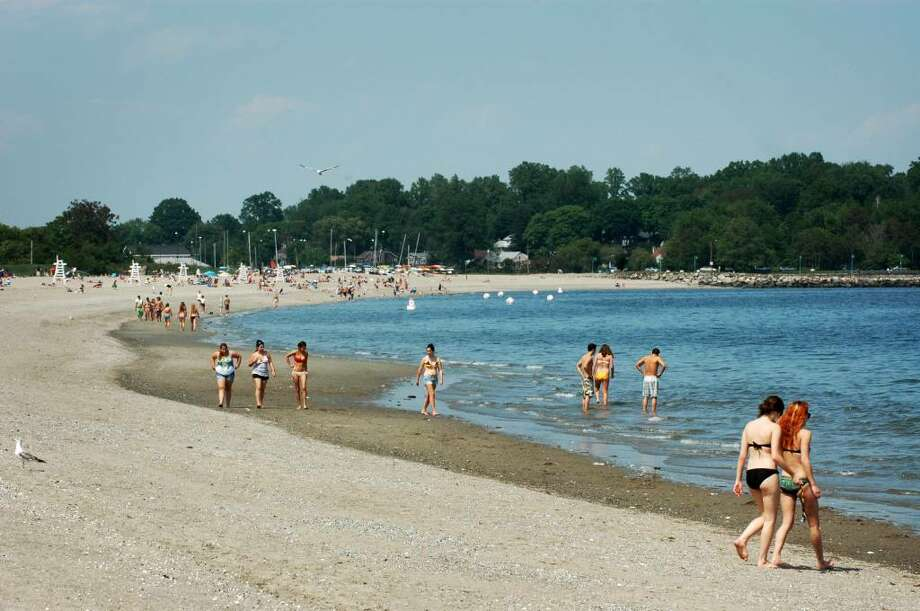 Beach season has started as is evident by the crowds at Fairfield's Penfield and Jennings beaches on Friday May 21, 2010. Photo: Cathy Zuraw, ST / Connecticut Post