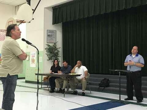 Willis residents urge TCEQ to deny LeHigh Hanson concrete