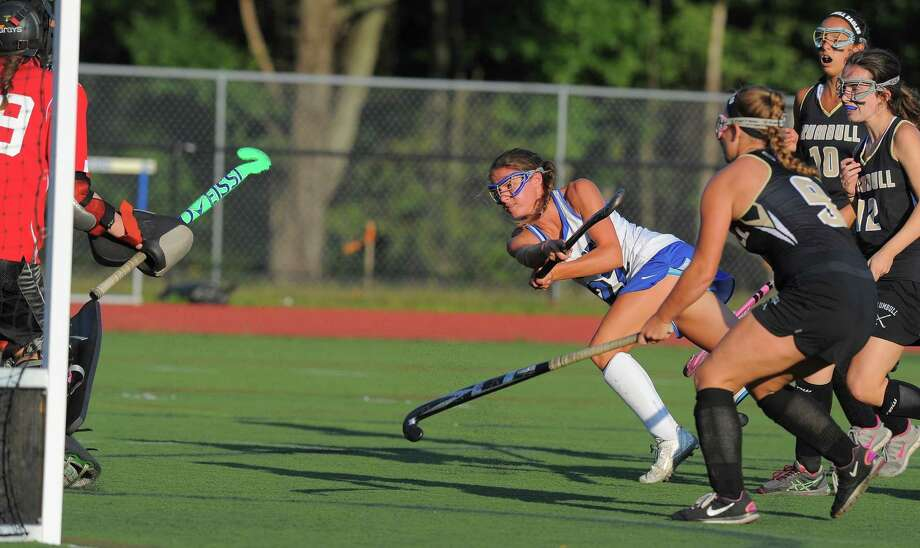 Darien's Katie Elders (22) has been named the Hearst Connnecticut Media Field Hockey MVP. Photo: Matthew Brown / Hearst Connecticut Media / Stamford Advocate