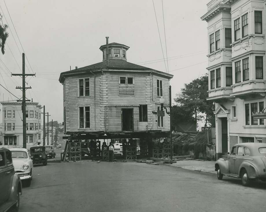 November 2, 1952: The Octagon House on Gough Street, between Green and Union Street, in San Francisco's Cow Hollow. The house, which was owned by PG&E, was sold and moved across the street to its current location. Photo: Gordon Peters, San Francisco Chronicle