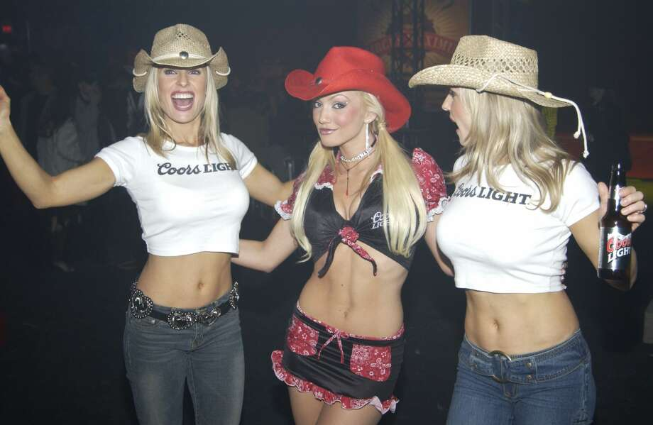 How Houston partied during the 2004 Super BowlSuper Bowl XXXVIII had a lot of crop tops, cowboy hats and even more MTV TRL.Click through the slideshow to see the H-Town memories.  Photo: Jeff Snyder/FilmMagic