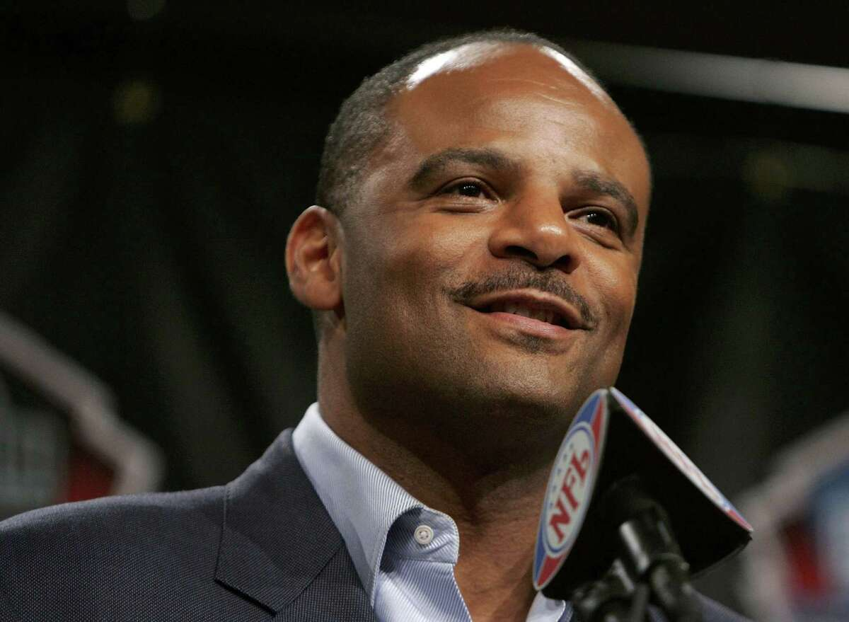 Warren Moon was a groundbreaker for many quarterbacks, including Andre Ware, Vince Young and Deshaun Watson