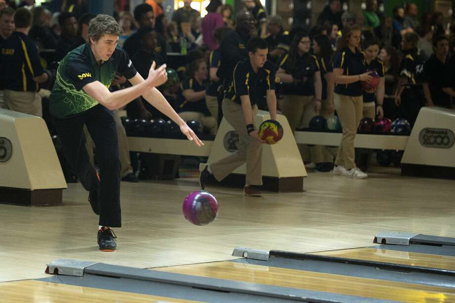 BRITTNEY LOHMILLER | blohmiller@mdn.net Dow High's Quinton Bortel warms up before the start of the Saginaw Valley League bowling meet Wednesday evening at Northern Lanes. Photo: Brittney Lohmiller/Midland Daily News/Brittney Lohmiller