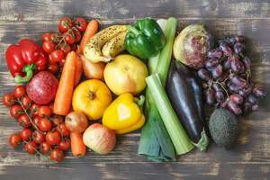 """The DASH diet is a """"plant-based eating plan"""" rich in fruits, vegetables, grains and other foods that grow fromt he ground. (Dreamstime)"""