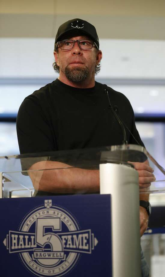 Former Houston Astros first baseman Jeff Bagwell, speaks to the media at Bush IAH, Wednesday January 18,  2017, after it was announced that he would be entering the 2017 Baseball Hall of Fame.  ( Karen Warren / Houston Chronicle ) Photo: Karen Warren/Houston Chronicle