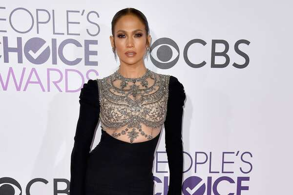 LOS ANGELES, CA - JANUARY 18:  Entertainer Jennifer Lopez attends the People's Choice Awards 2017 at Microsoft Theater on January 18, 2017 in Los Angeles, California.  (Photo by Steve Granitz/WireImage)