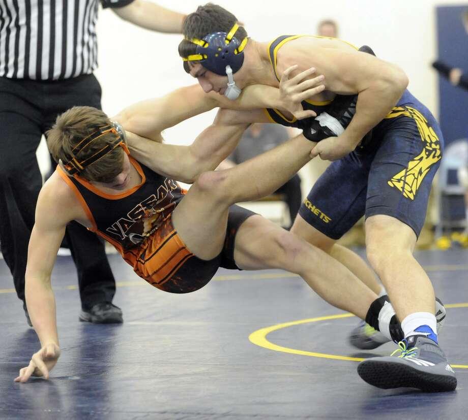 Bad Axe wrestling dual Photo: Seth Stapleton/Huron Daily Tribune