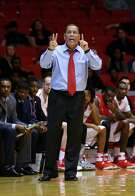 UH's Kelvin Sampson, left, says he has a lot of acquaintances in the coaching profession but that Memphis counterpart Tubby Smith rates as a true friend for almost four decades.