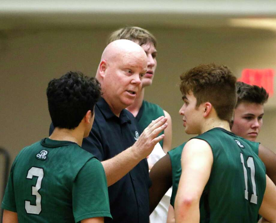 Reagan head coach John Hirst gives his team instruction during the District 26-6A boys high school basketball game between Reagan and Madison on Wednesday, January 18, 2017 Photo: Ron Cortes, Freelance / For The San Antonio Express-News / Ronald Cortes / Freelance