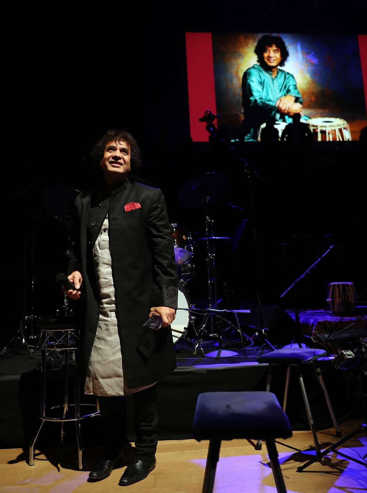 Percussionist Zakir Hussain speaks to the audience after being awarded SFJAZZ Lifetime Achievement Award during SFJazz Gala in San Francisco, Calif., on Wednesday, January 18, 2017.