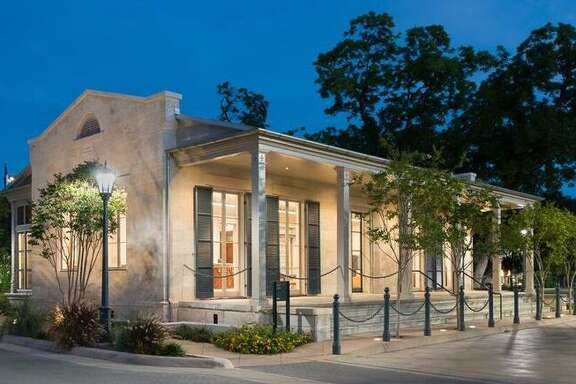 The H-E-B Visitor Center at the Arsenal on South Flores is a renovated building that dates back to the late 1800s. It was once the Officer's Quarters for the Arsenal and is now the jewel box entry point for visitors and vendors meeting with HEB corporate partners.