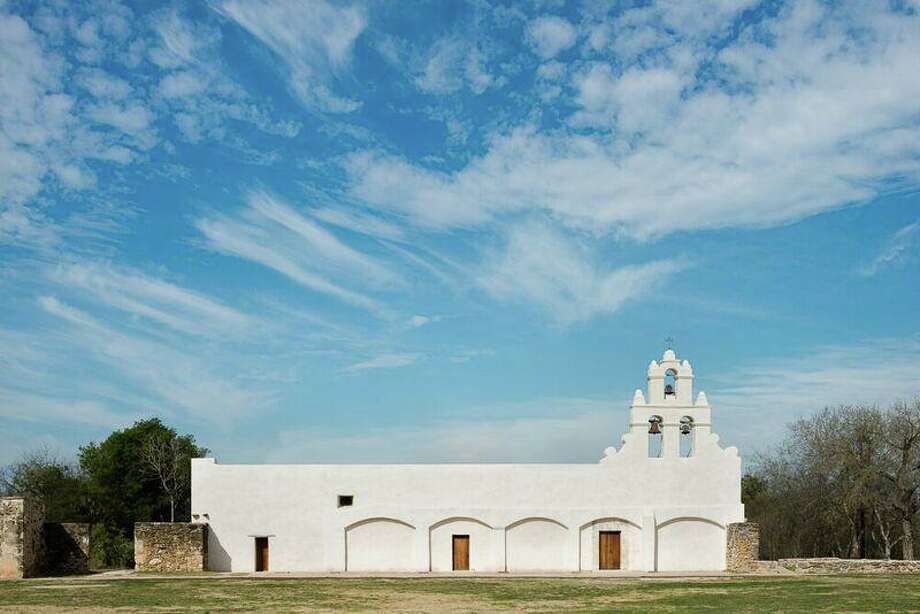 Historical wine dinner at a San Antonio mission as part of the World Heritage Festival - Photo