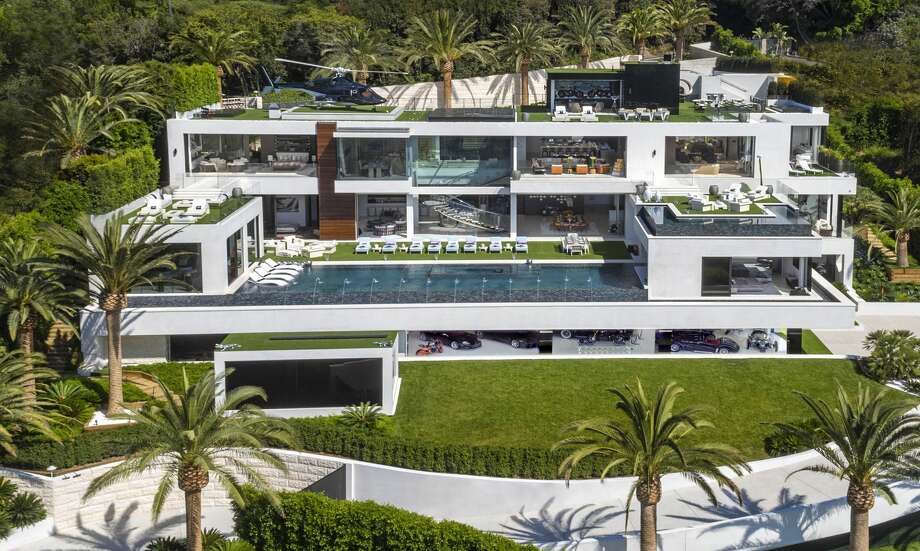 Luxury developer Bruce Makowsky's $250 million Bel Air mansion built on spec is the most expensive home on the U.S. real estate market. Photo: Photos Courtesy Of Berlyn Photography