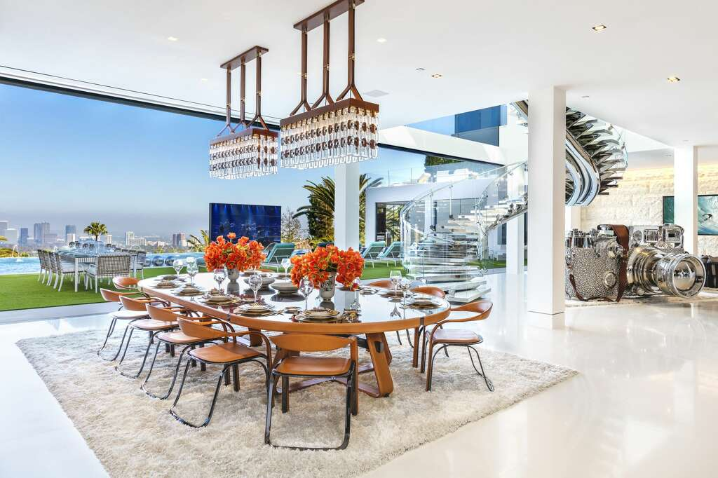 The dining room inside luxury developer Bruce Makowsky's $250 million Bel Air spec house Photo: Photos Courtesy Of Berlyn Photography