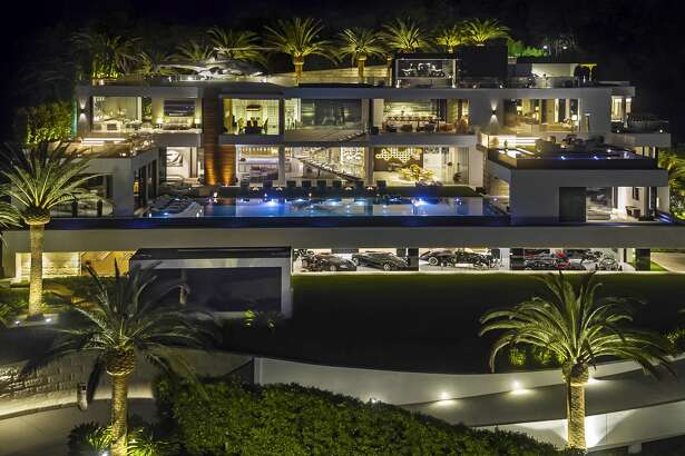 Luxury Bruce Makowsky's $250 million Bel Air spec home is the most expensive home on the U.S. real estate market.