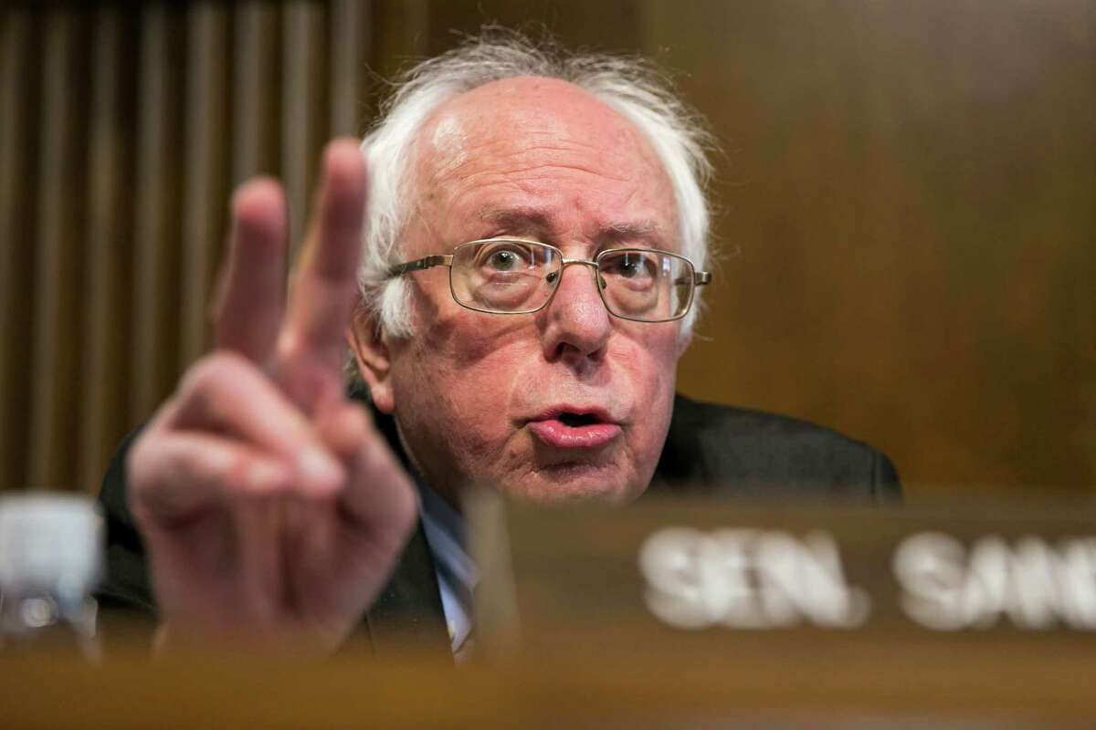 Sen. Bernie Sanders (I-Vt.) questions former Texas Gov. Rick Perry, President-elect Donald Trump's pick for secretary of energy, during his confirmation hearing before the Senate Energy and Natural Resources Committee on Capitol Hill, in Washington, Jan. 19, 2017. (Al Drago/The New York Times)
