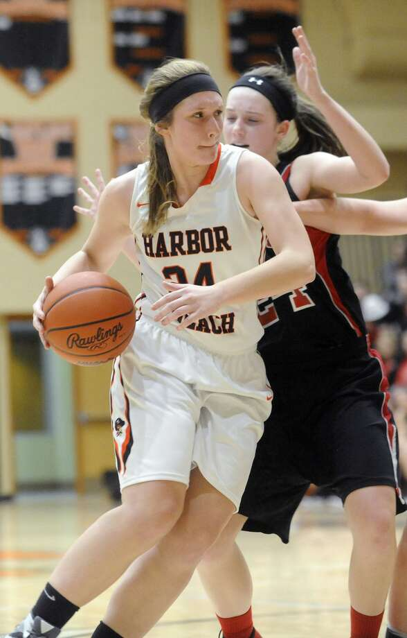 Sandusky 45, Harbor Beach 35 Photo: Seth Stapleton/Huron Daily Tribune