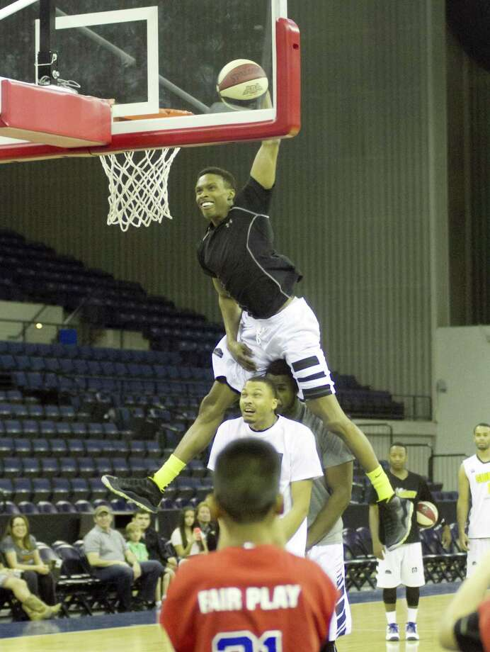 Laredo brought back guard Steven Harris, pictured, this week after losing leading scorer Kyle Lemons to a team in France. Harris won the slam dunk contest two years ago during the ABA Southwest division playoffs. Photo: Jason Mack / Laredo Morning Times File