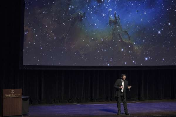 San Antonians came out to Neil deGrasse Tyson speak at the Tobin Center for the Performing Arts, January 19, 2017.