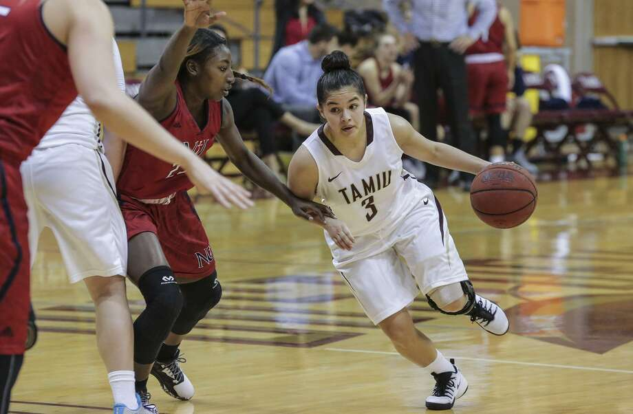 Joanna Perez had 10 points, seven assists and only one turnover playing all 40 minutes for the Dustdevils against Newman. Photo: Victor Strife /Laredo Morning Times