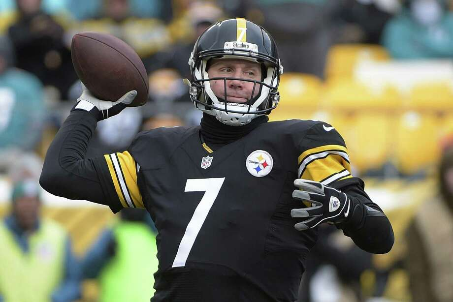 Steelers quarterback Ben Roethlisberger throws a pass during the first half of an AFC wild card playoff game against the Miami Dolphins in Pittsburgh on Jan. 8, 2017. It's not a coincidence that four superior quarterbacks are the final four left chasing a Super Bowl title. Photo: Fred Vuich /Associated Press / FR171330 AP