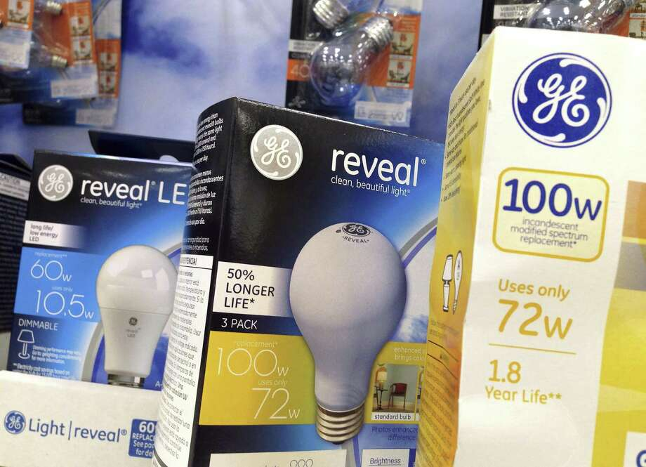 General Electric reported that revenue fell 2.4 percent to $33.1 billion in the quarter, coming in below analysts' expectations. Adjusted earnings fell to 46 cents a share, matching analysts' estimates. Photo: Elise Amendola /Associated Press / Copyright 2017 The Associated Press. All rights reserved.