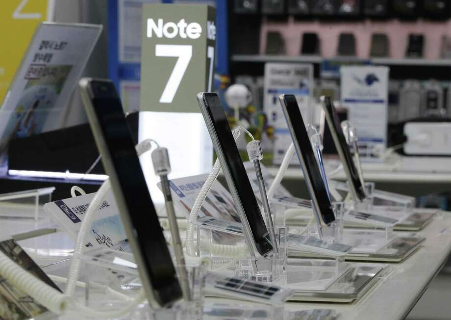 Samsung Electronics said it will announce the reason why its Galaxy Note 7 smartphones overheated and caught fire at a news conference Monday in Seoul, which will be Sunday night in the United States. Photo: Ahn Young-joon /Associated Press / Copyright 2017 The Associated Press. All rights reserved.
