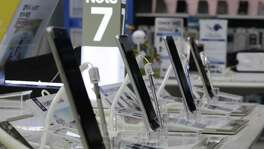 Samsung Electronics said it will announce the reason why its Galaxy Note 7 smartphones overheated and caught fire at a news conference Monday in Seoul, which will be Sunday night in the United States.