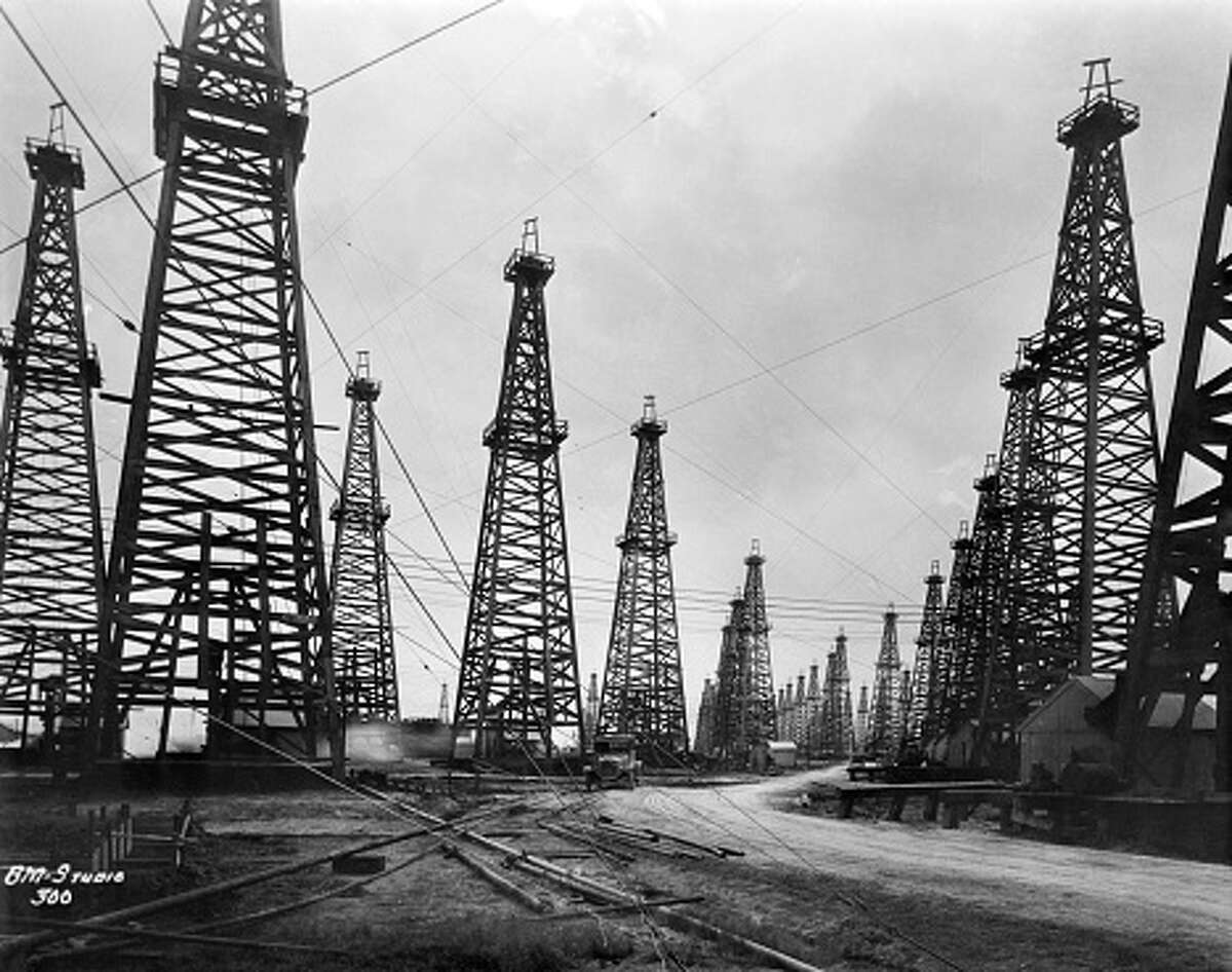 Anahuac - 1935 Total barrels produced: 277 million