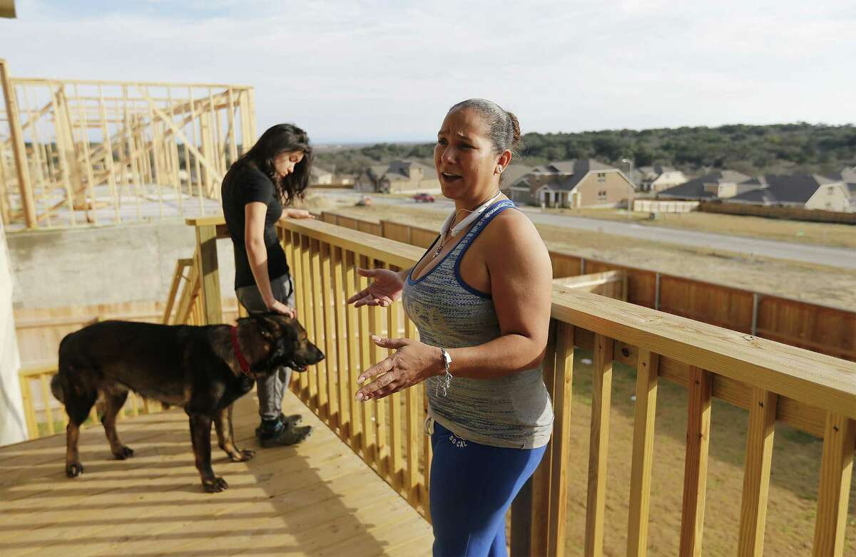 Arroyo moved to Ladera because she wanted to escape the city. The area around her former home, near the crossing of Loop 1604 and Highway 90, became increasingly congested after she moved there in 2006, she said.