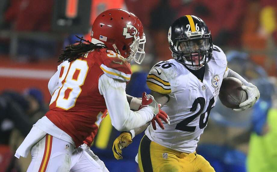 Steelers running back Le'Veon Bell is averaging 168.5 yards per playoff game. Photo: Orlin Wagner, Associated Press