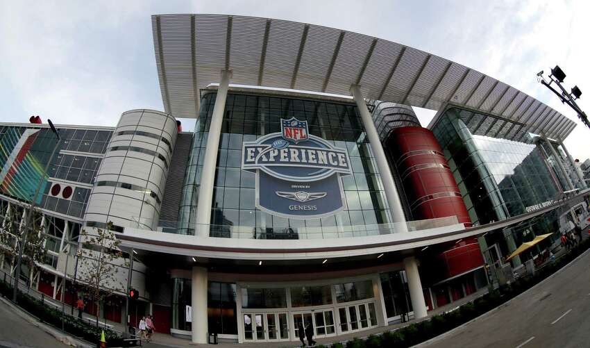 NFL vs. Houston Landing America's biggest sporting event is a monumental task for any city.  Click through to see the requirements Houston had to meet in order to host the Super Bowl.