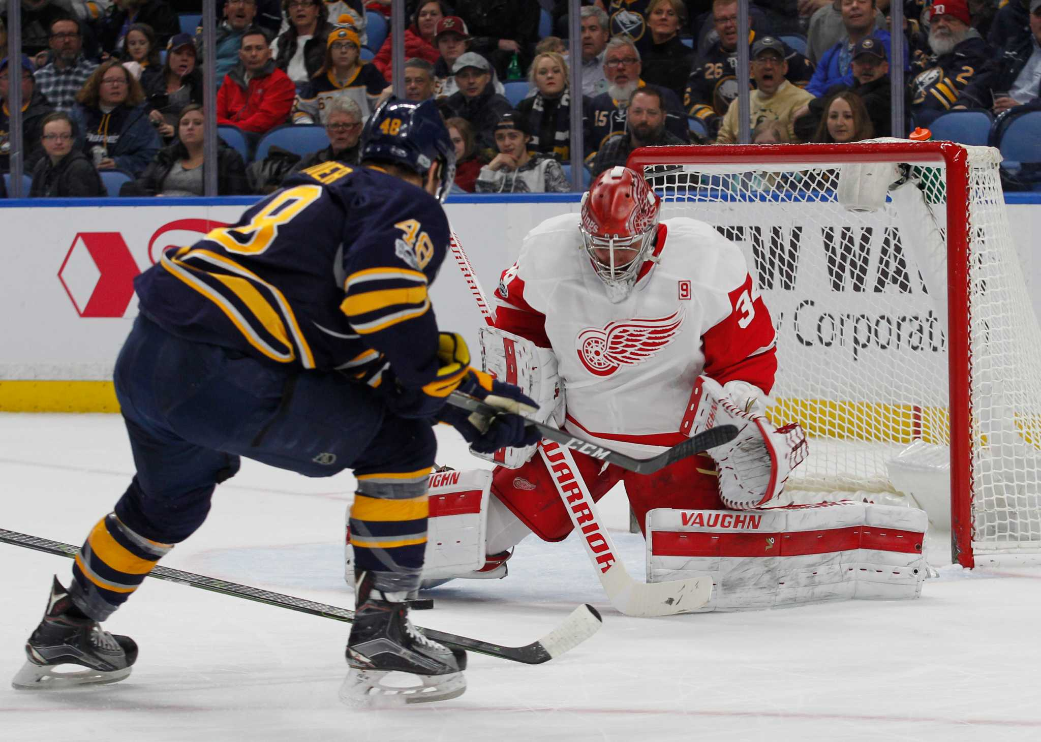 Sabres pick up rare win vs. Red Wings