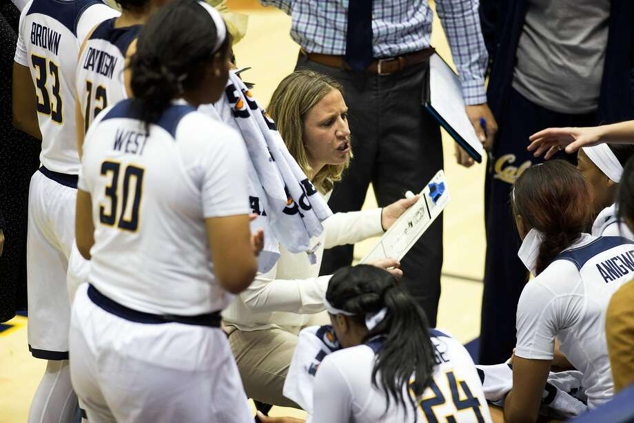 California head coach Lindsay Gottlieb, center, huddles up with her players during the fourth quarter of an NCAA women's college basketball game against Arizona State, on Friday, Jan. 20, 2017 in Berkeley, Calif. Arizona State won 54-45. Photo: D. ROSS CAMERON, Special To The Chronicle